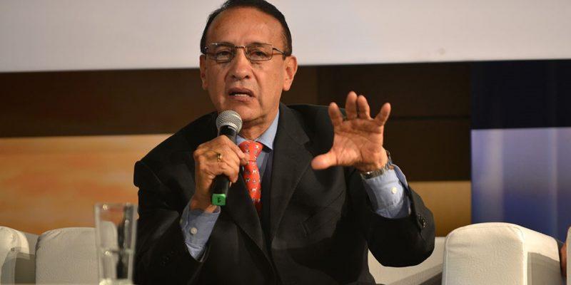 Exgobernador Álvaro Cruz negocia indemnización