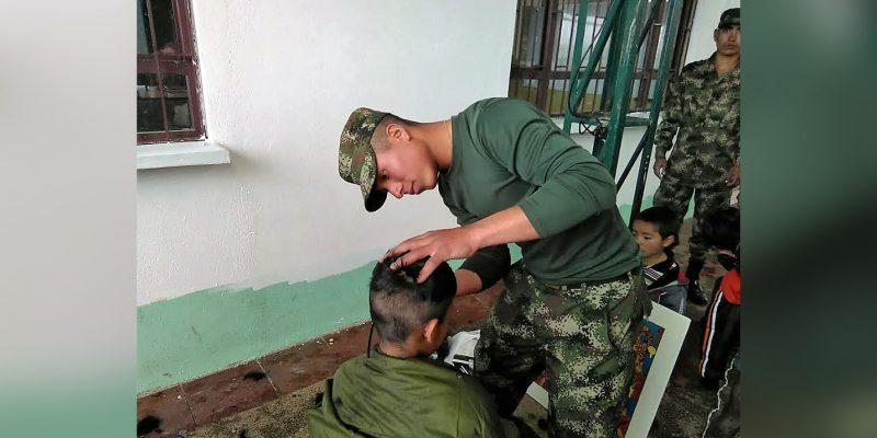 Soldados del Ejército Nacional llevan color y vida a niños de Villapinzón
