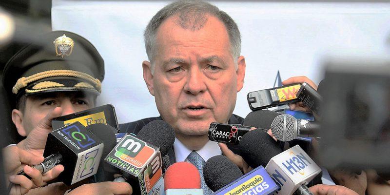 Gobierno respondió al estilo Pambelé con el eslogan es mejor la paz que la guerra PGN
