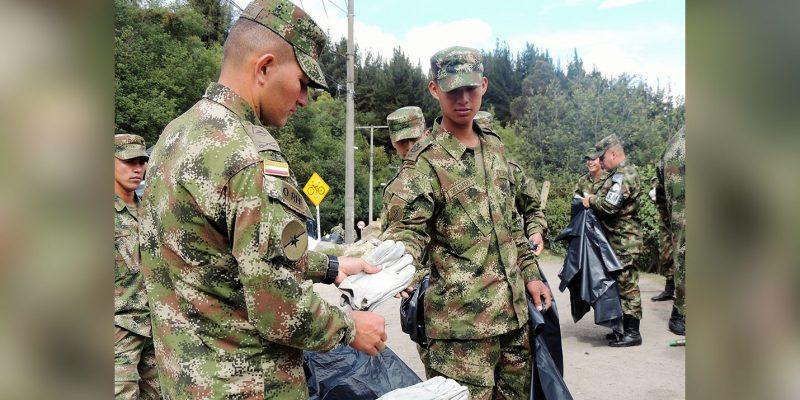 Soldados realizan campaña de limpieza y concientización ambiental