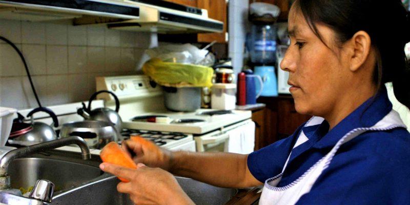 Empleadores deberán pagar prima a trabajadores domésticos antes del 30 de junio