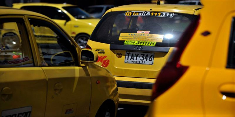 En Bogotá se acabarán los taxímetros