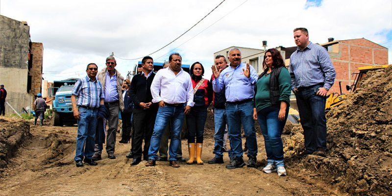 Alcalde Orlando Diaz Canasto realizo visita a obras de desar