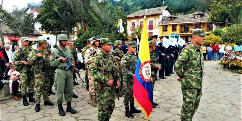 Brigada 13 en celebracion de aniversario del municipio de Zipacon