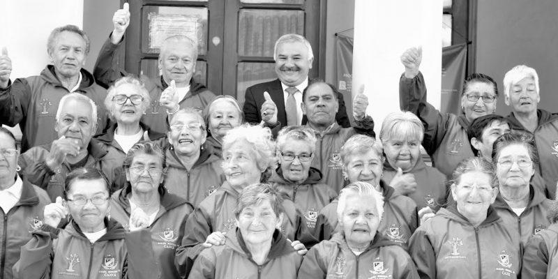 Cajica hizo reconocimiento a adultos mayores que se han destacado en diferentes ambitos