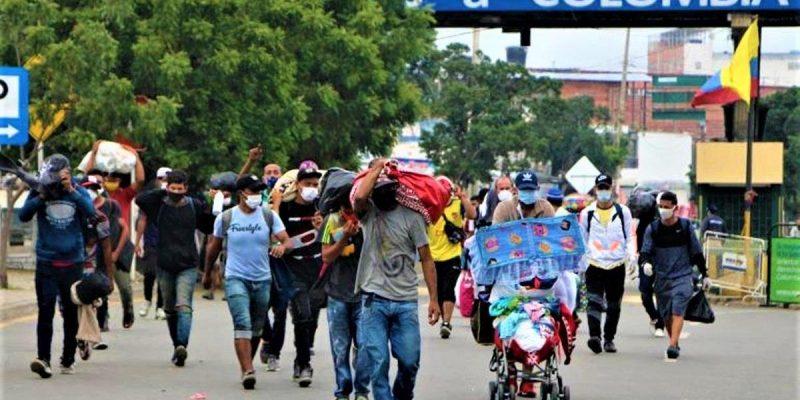 Mas de 14.000 venezolanos han retornado voluntariamente a su pais por las fronteras de Arauca y Cucuta