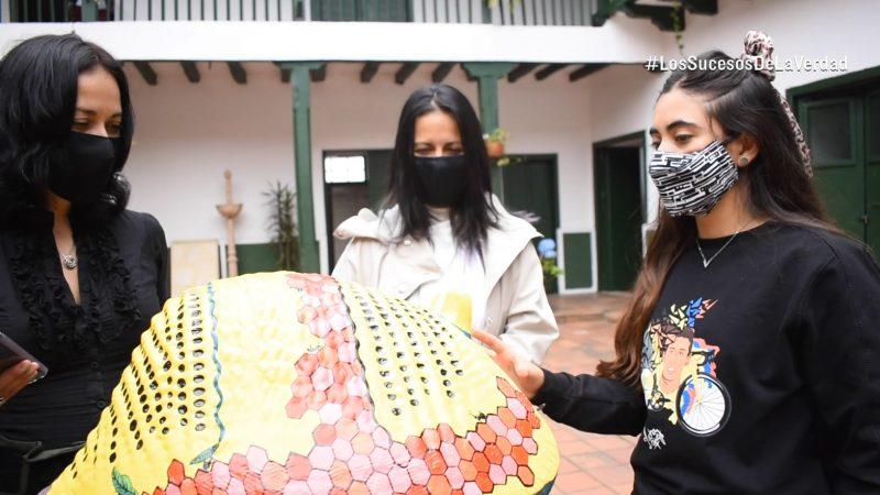 Artista local interviene obra que sera expuesta en la Casa Escalona En Video