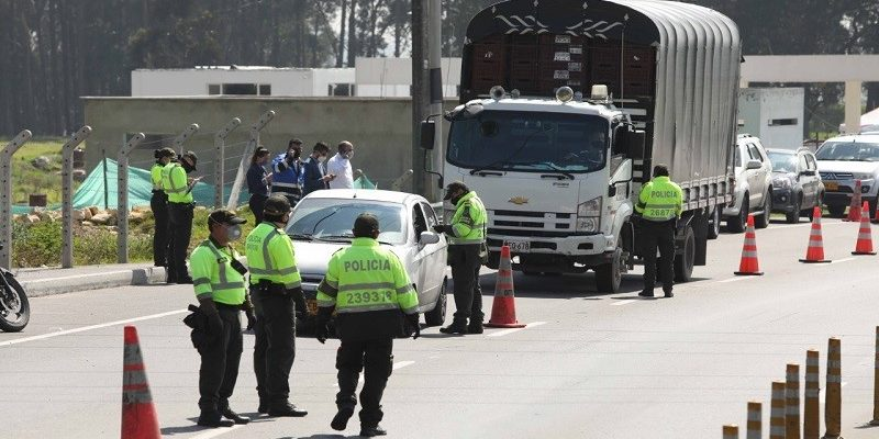 En Cundinamarca se registraron 220 comparendos y 170 vehiculos inmovilizados durante el toque de queda